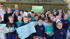 School children deliver 'acts of kindness' in Newcastle