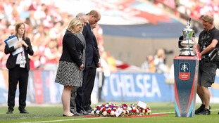 FA Cup final match holds minute's silence for Manchester bomb victims