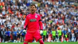 Huddersfield beat Reading on penalties to win promotion
