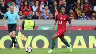 Liverpool in talks over Portugal winger Gelson Martins