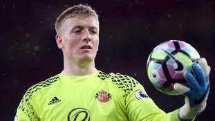 Everton sign Pickford for £30m from Sunderland