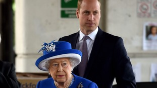 Queen and William visit those affected by Grenwell Tower fire