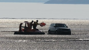 Hovercraft rescues stranded Range Rover on the Weston mudflats