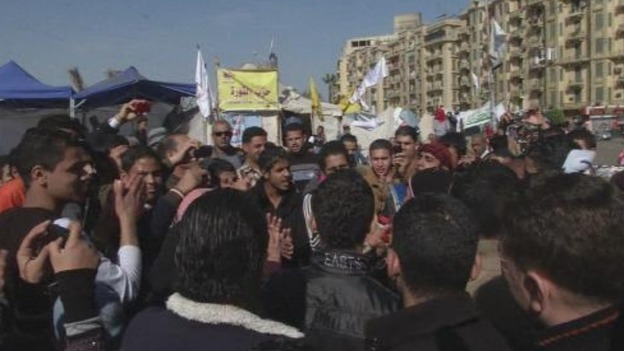 Opponents of President Morsi remain in smaller numbers in Tahrir Square.
