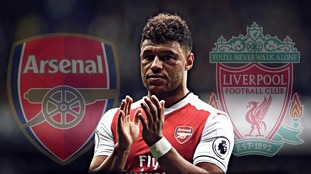 Football transfer rumours: Liverpool close in on Arsenal star Oxlade-Chamberlain