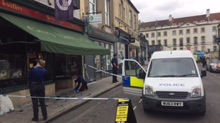 """Watch: 4 men steal over """"a million pounds"""" worth of jewellery in broad daylight"""
