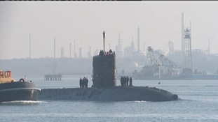 HMS Tireless approaches Southampton Port