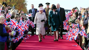 The Queen unveiled a statue at Newmarket Racecourse in November 2016.
