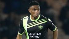 Blues sign former Manchester City midfielder Etuhu