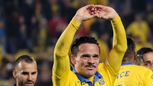 Swansea City complete deal for Spanish midfielder Roque Mesa
