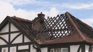 Fire destroys roof of two Southampton houses