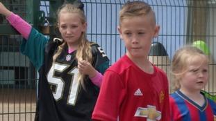 Devon schoolchildren pay tribute to Bradley Lowery
