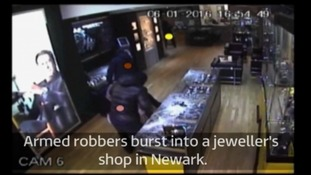 Off-duty police officers who confronted armed robbers in jewellery heist win bravery award