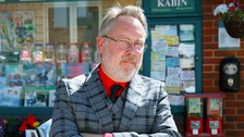 Vic Reeves's first day on the cobbles