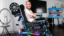 Man transforms his electric wheelchair into a mobile disco