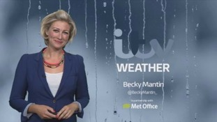 Thickening cloud and rain moving in across Ireland and the southwest overnight