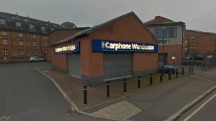 Thieves target mobile phone shop in ram raid