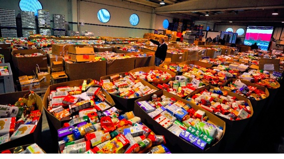 hard up families in the midlands relying on food banks