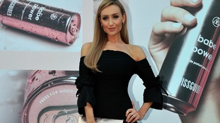Corrie actress Catherine Tyldesley praised for showing the effects of bloating on her body