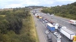 M40 closed due to 'serious accident'