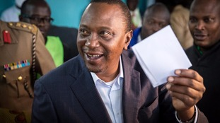 Kenyan election: Two killed and clashes in Nairobi as President Uhuru Kenyatta re-elected