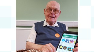 Fred's famous! 91-year-old goes viral for his birthday