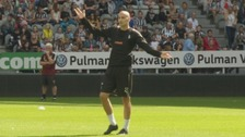 Jonjo Shelvey in training