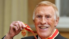 Tributes pour in for Sir Bruce Forsyth 1928 - 2017