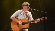 Foy Vance headlines Custom House Square
