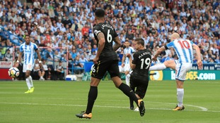 Premier League: Huddersfield 1-0 Newcastle - Mooy stunner secures win