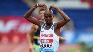 Sir Mo Farah wins final track race in Great Britain