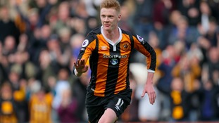 Swans close in on Sam Clucas signing