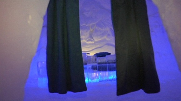 A bedroom in the Snow Hotel