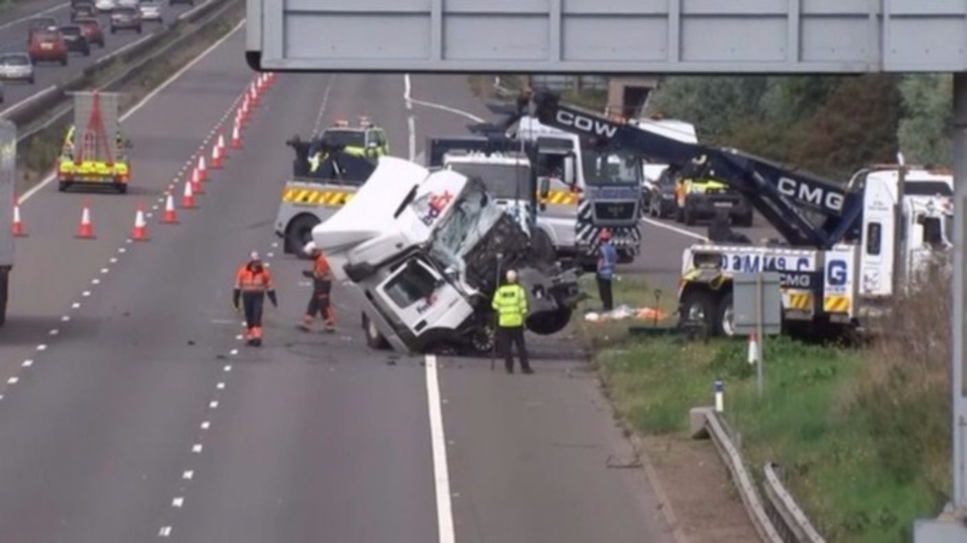 thames valley police charge two lorry drivers over