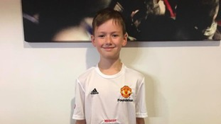 WATCH: The heartwarming moment a young Utd fan is told he will walk onto the pitch with his idols