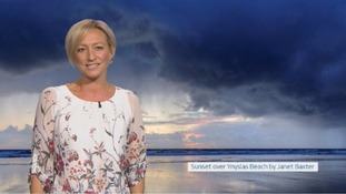 Wales Weather: A chilly night with showers at times!