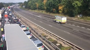 Bomb disposal van on way to suspicious object on M1