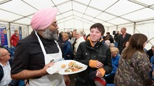 Hardeep Singh Kohli, sharing Oyster pakora samples