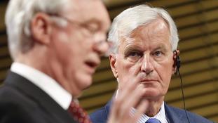British Brexit secretary David Davis  and EU chief negotiator Michel Barnier.