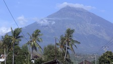 Holidaymakers warned over fears Bali volcano will erupt