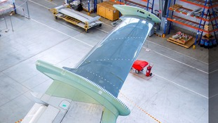 Aircraft wing outer section