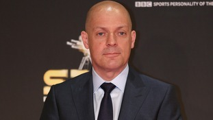 British cycling director Dave Brailsford is to be knighted