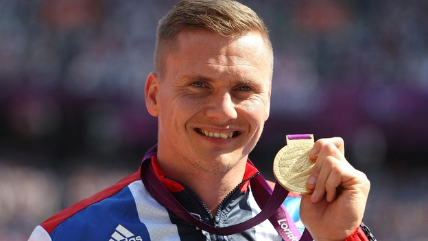 David Weir pictured with his gold medal after winning the Men's 5000m - T54