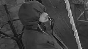 Appeal after restaurant robbery in Manchester
