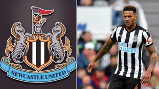 Newcastle United's Jamaal Lascelles signs a new six year contract keeping him at St James' Park until 2023