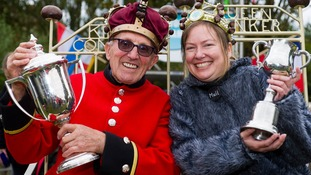 She stoops to conker: Julie beats Chelsea pensioner to win world champs