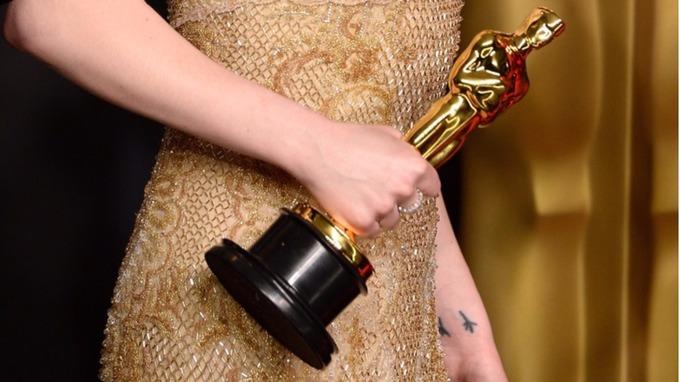 An Oscar statue.