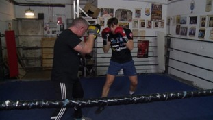 Swindon boxer prepares to fight for World title