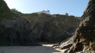 People in Newquay say cliff top building could put lives at risk