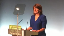 Leanne Caernarfon